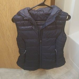 H&M puffy vest with hoodt
